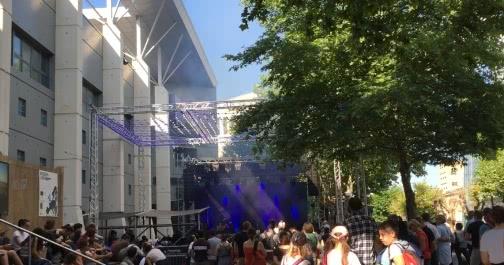 Petite scène devant la Coopé pour Europavox 2018