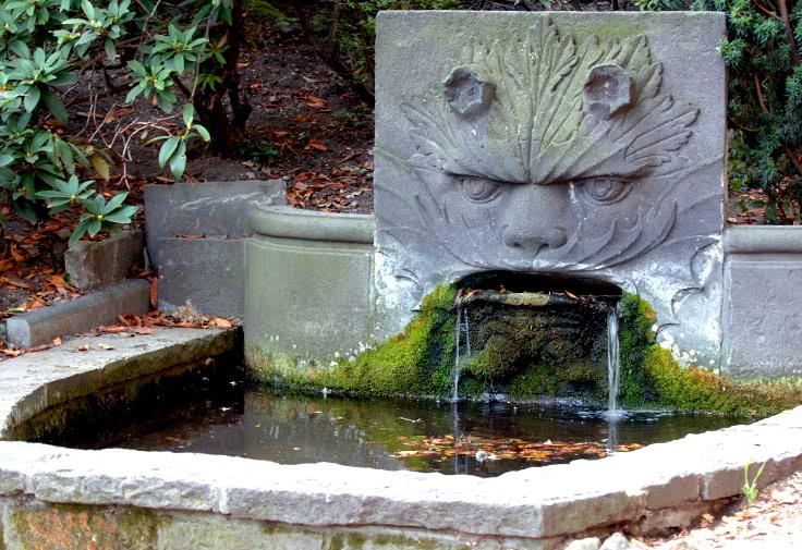 fontaine du Lion _ jardin lecoq