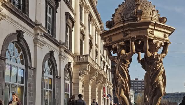 place de jaude automne hiver fontaine wallace théâtre