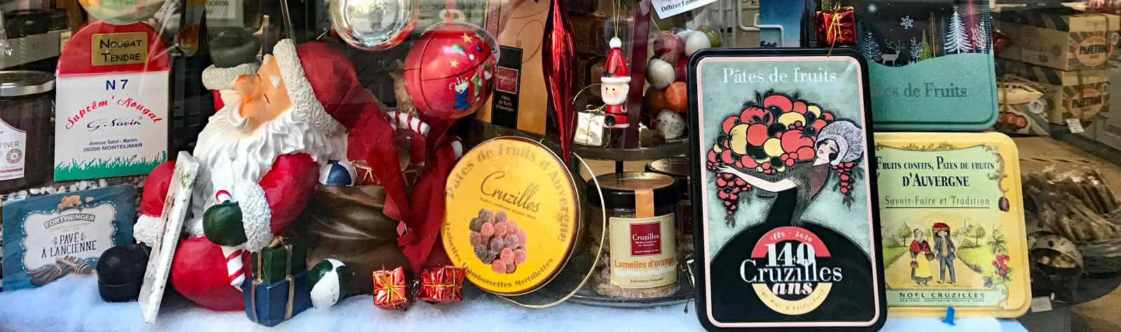 Vitrine de Noël avec produits locaux