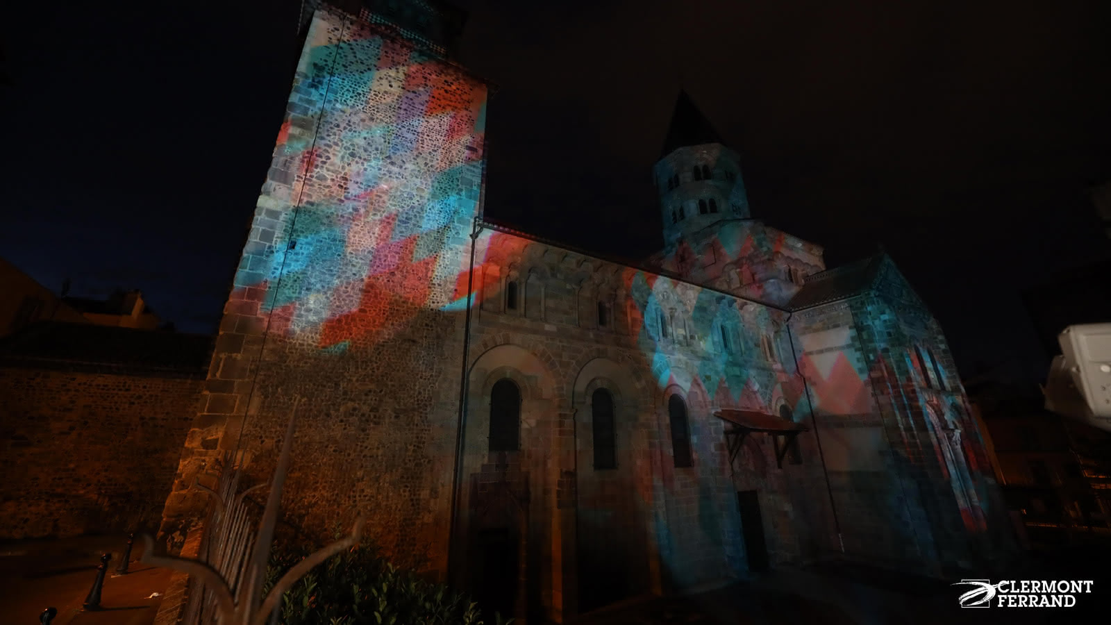 © Basilique Notre-Dame du Port mise en lumière
