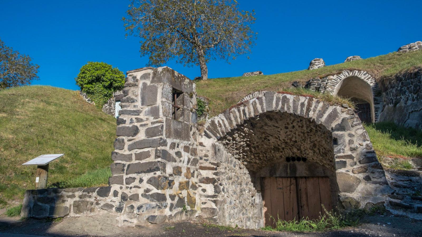 © Caves de Châteaugay