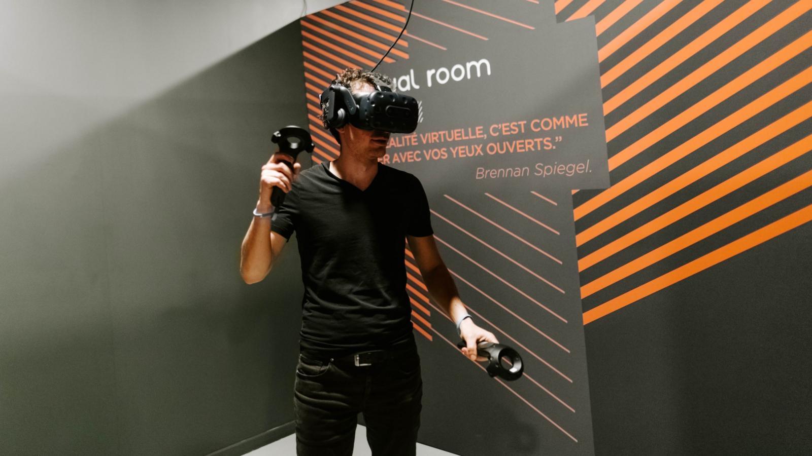 © Virtual Room