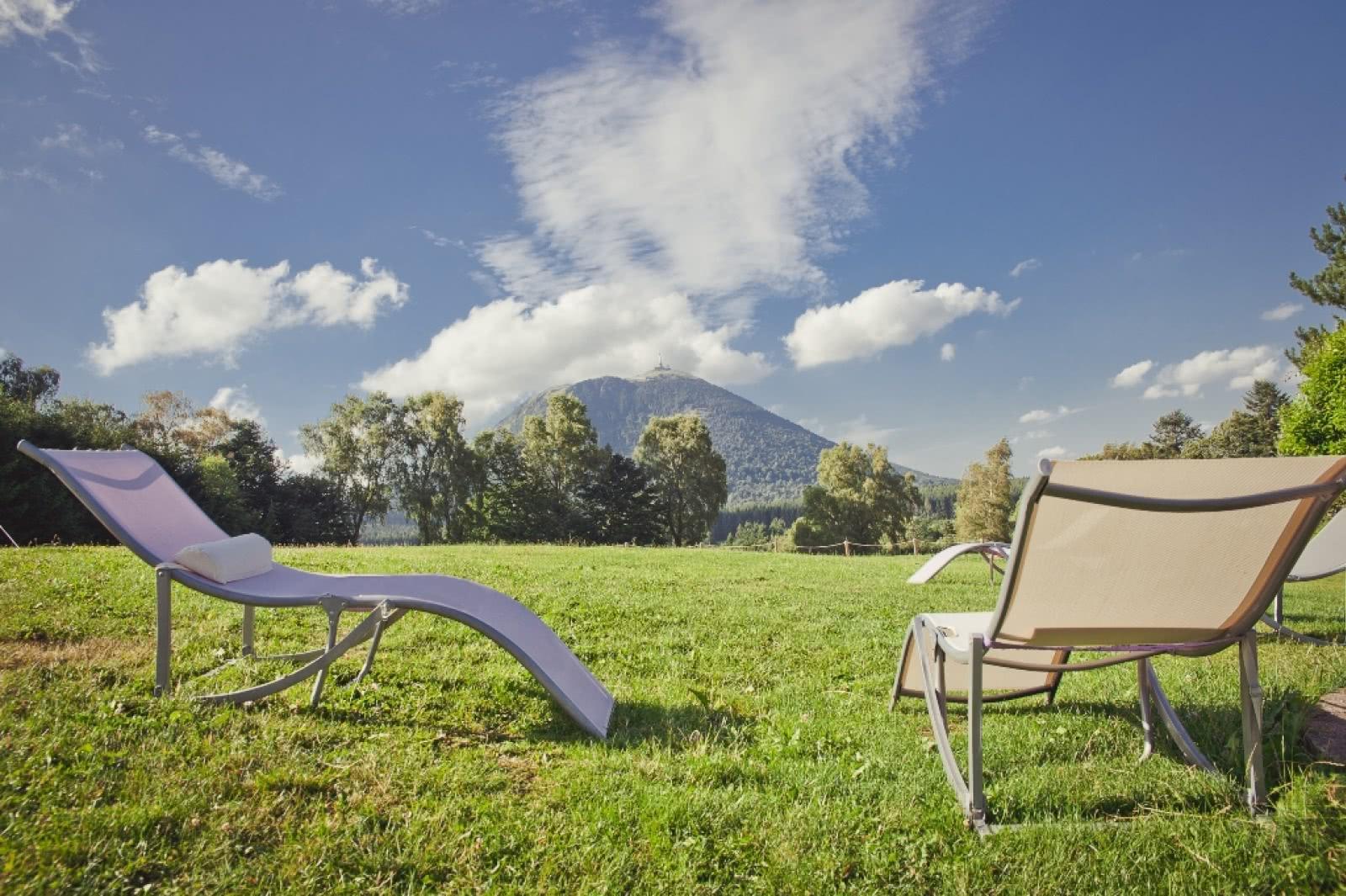 archipel volcans g te de s jour clermont auvergne tourisme. Black Bedroom Furniture Sets. Home Design Ideas