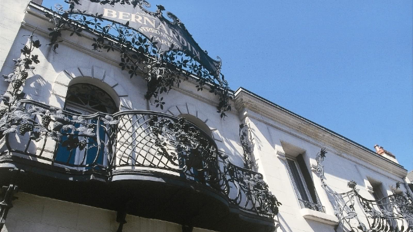 © Art Nouveau / Art Déco