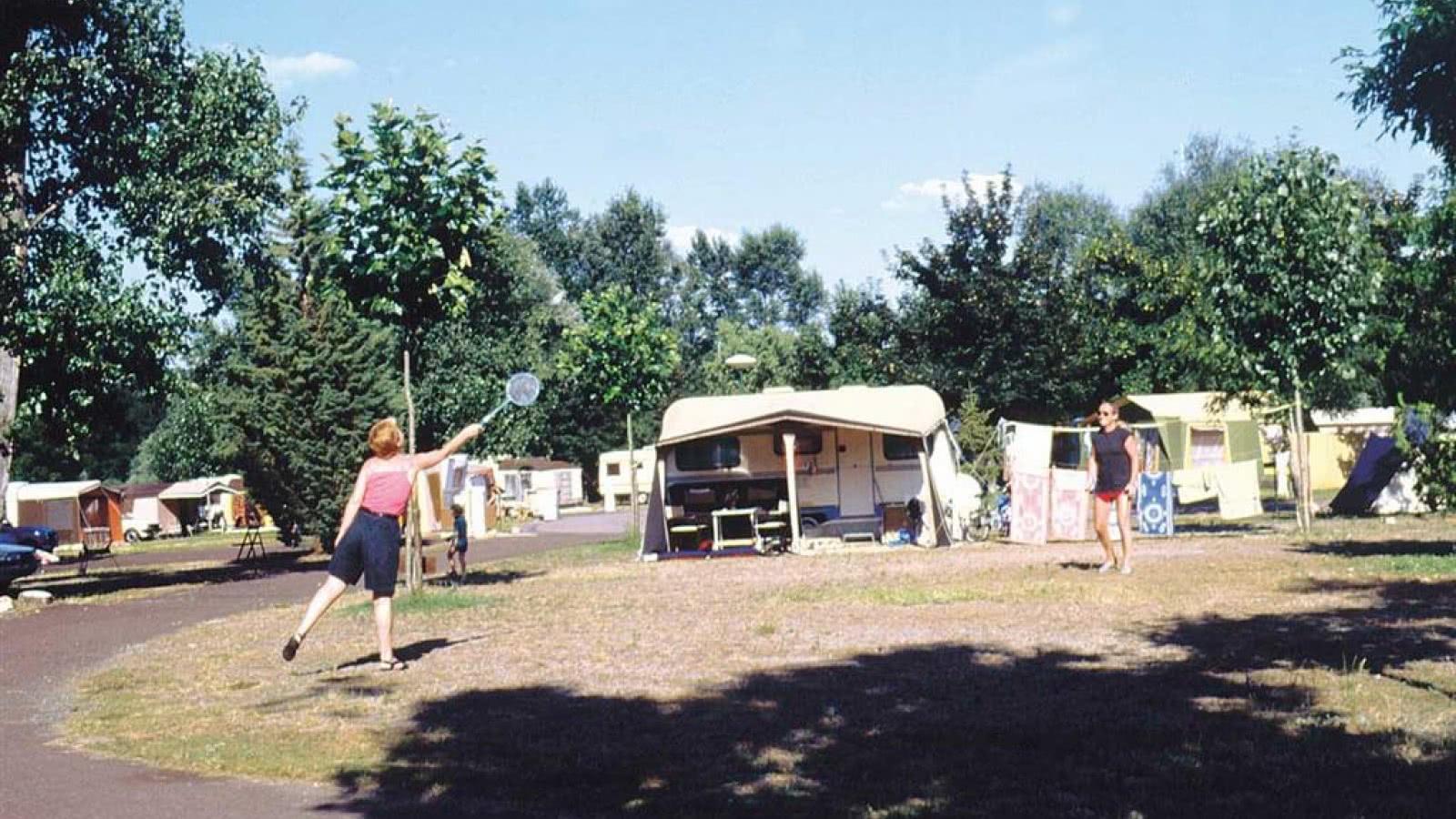 Aire extérieure de camping car le pré des laveuses
