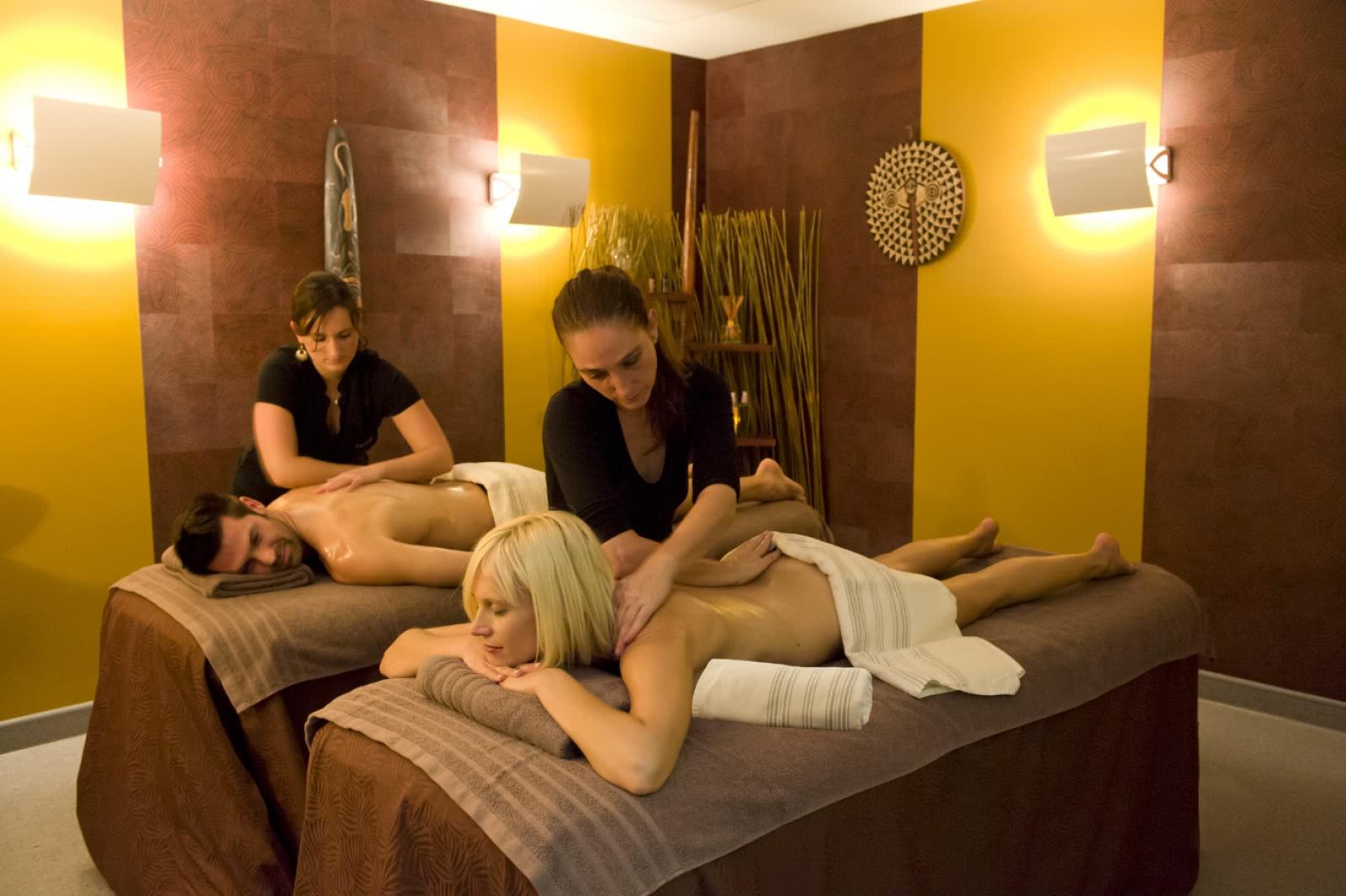 royatonic spa clermont auvergne tourisme. Black Bedroom Furniture Sets. Home Design Ideas