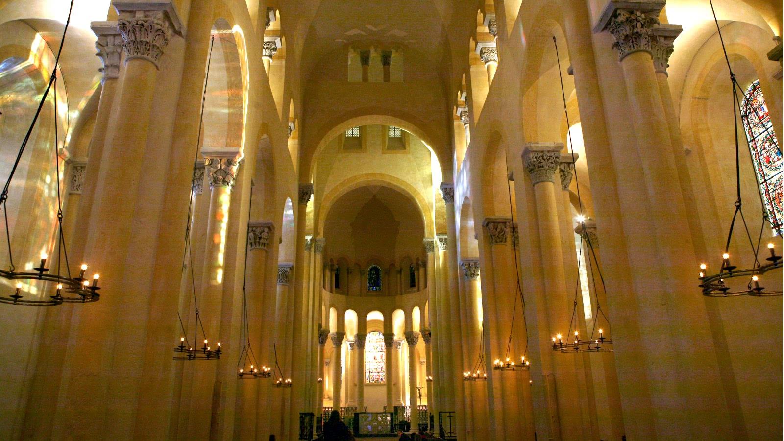Nef Basilique Notre Dame du Port