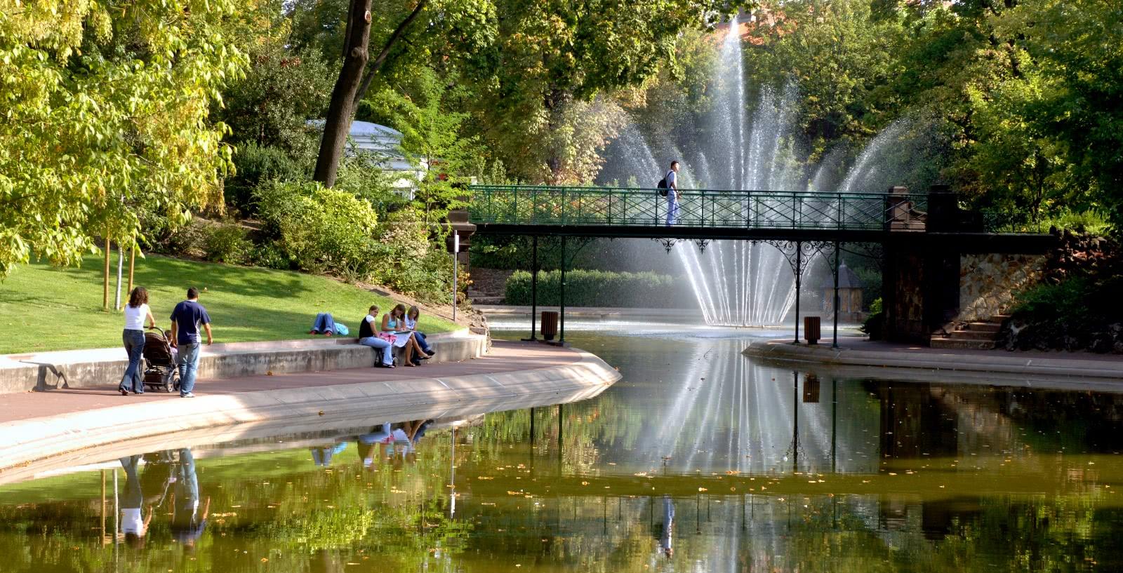 Jardin lecoq clermont auvergne tourisme - Aquilus piscine clermont ferrand ...