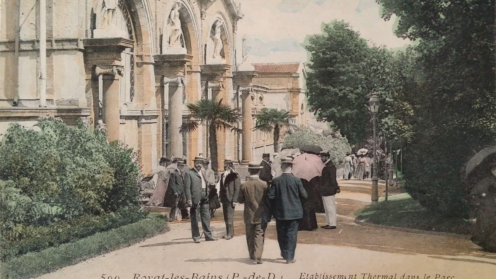 © Façade des  Thermes de Royat, carte postale ancienne