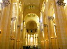 La basilique Notre-Dame-du-Port, inscrite au patrimoine mondial de l'Unesco