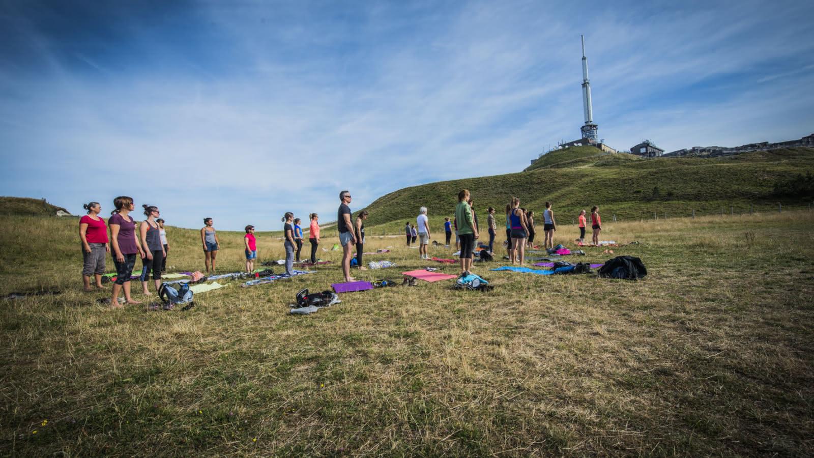 séances de yoga au sommet du puy de Dôme