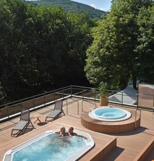 Spa à Châteauneuf-les-Bains Terrasse