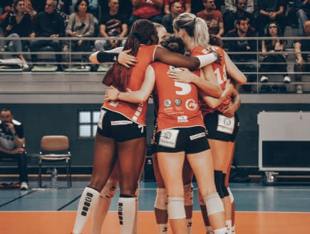 Volley-ball : Ligue A Féminine - VBC Camalières VS Racing Club de Cannes