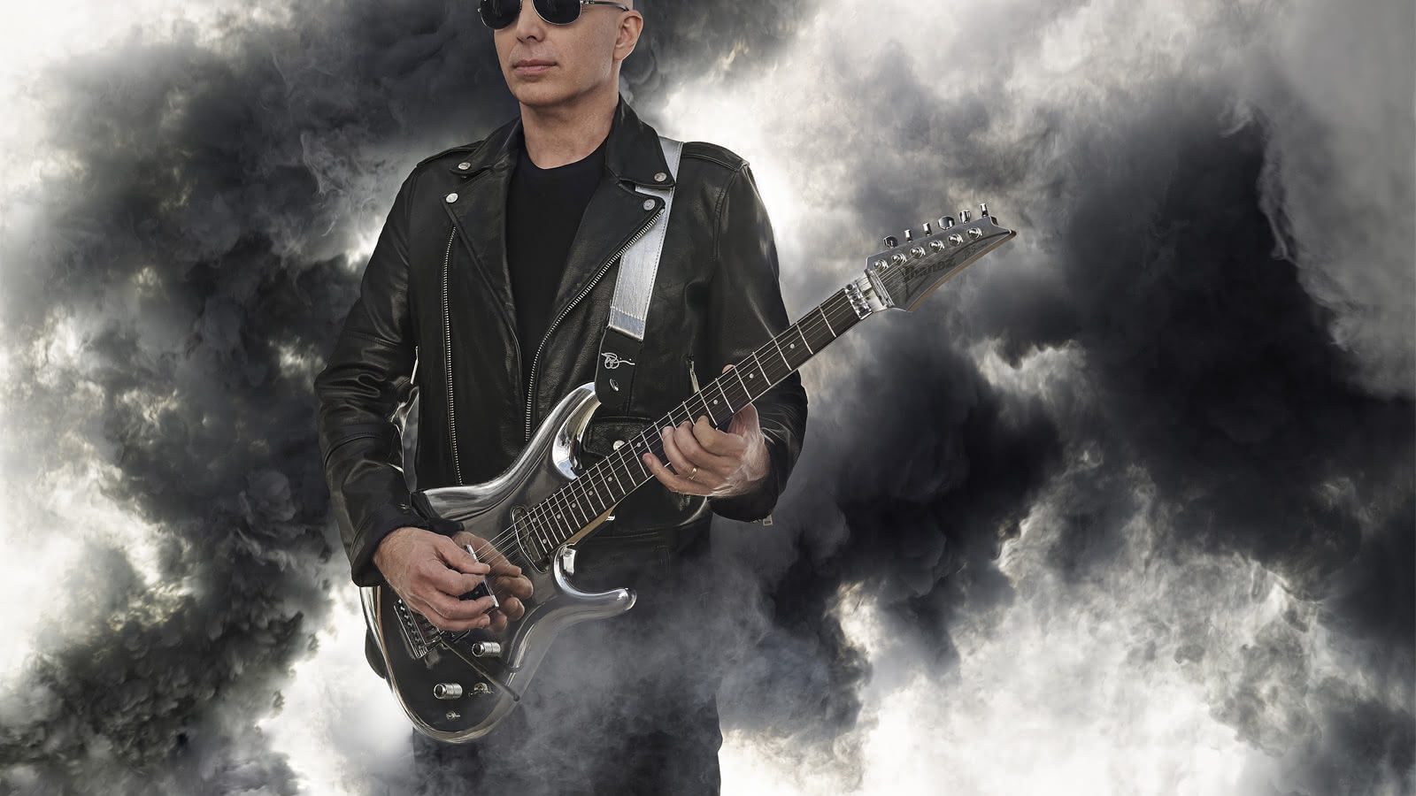 La Coopérative de Mai : Joe Satriani (report)