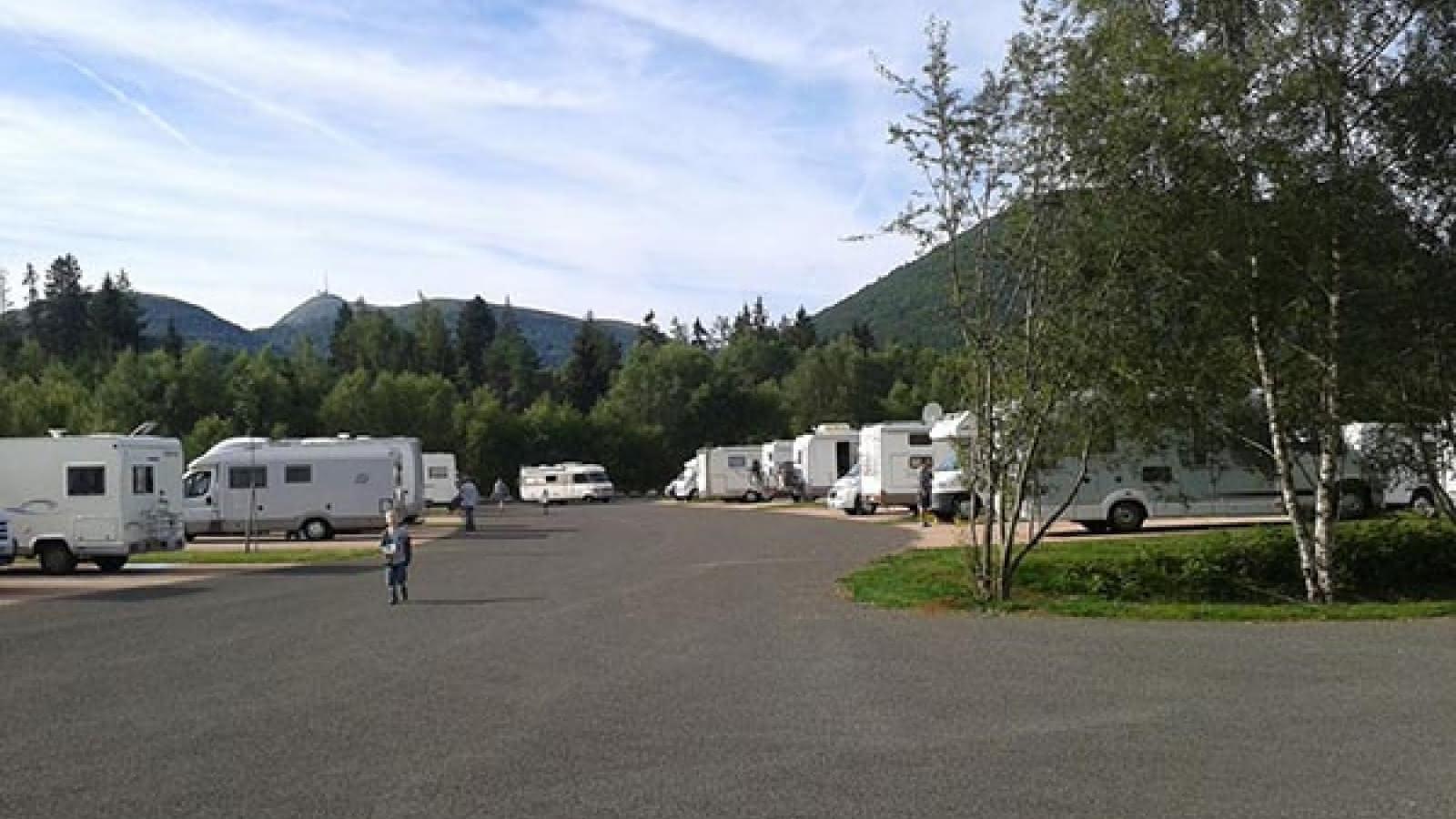 © Aire de camping-cars Vulcania