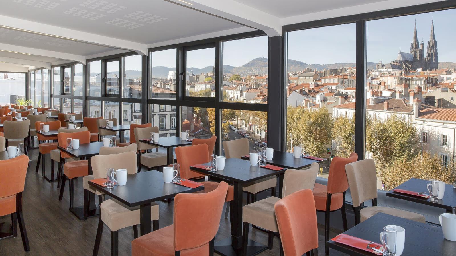 © Salle déjeuner - Best western plus hôtel littéraire Alexandre Vialatte