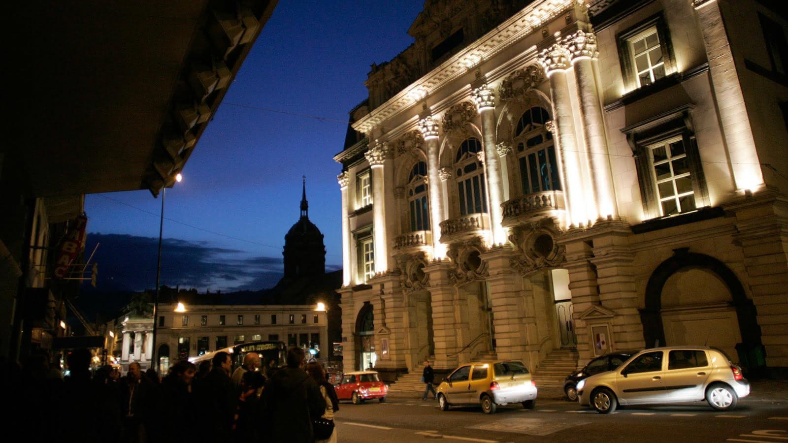 Façade de l'Opéra théâtre