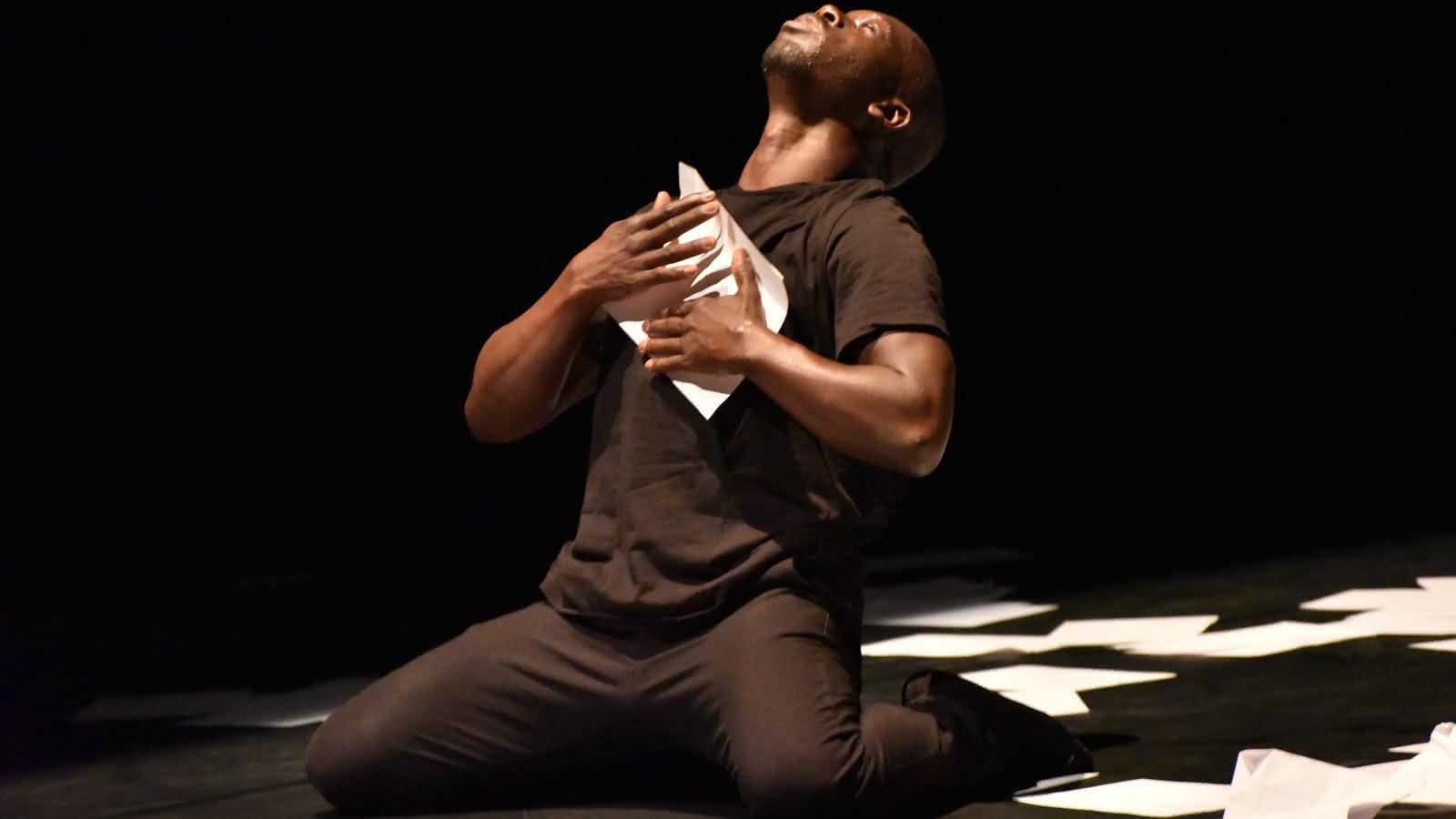 © Des mots pour danser, des gestes pour dire - Le Ying & le Yang