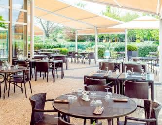 Le Novotel Café