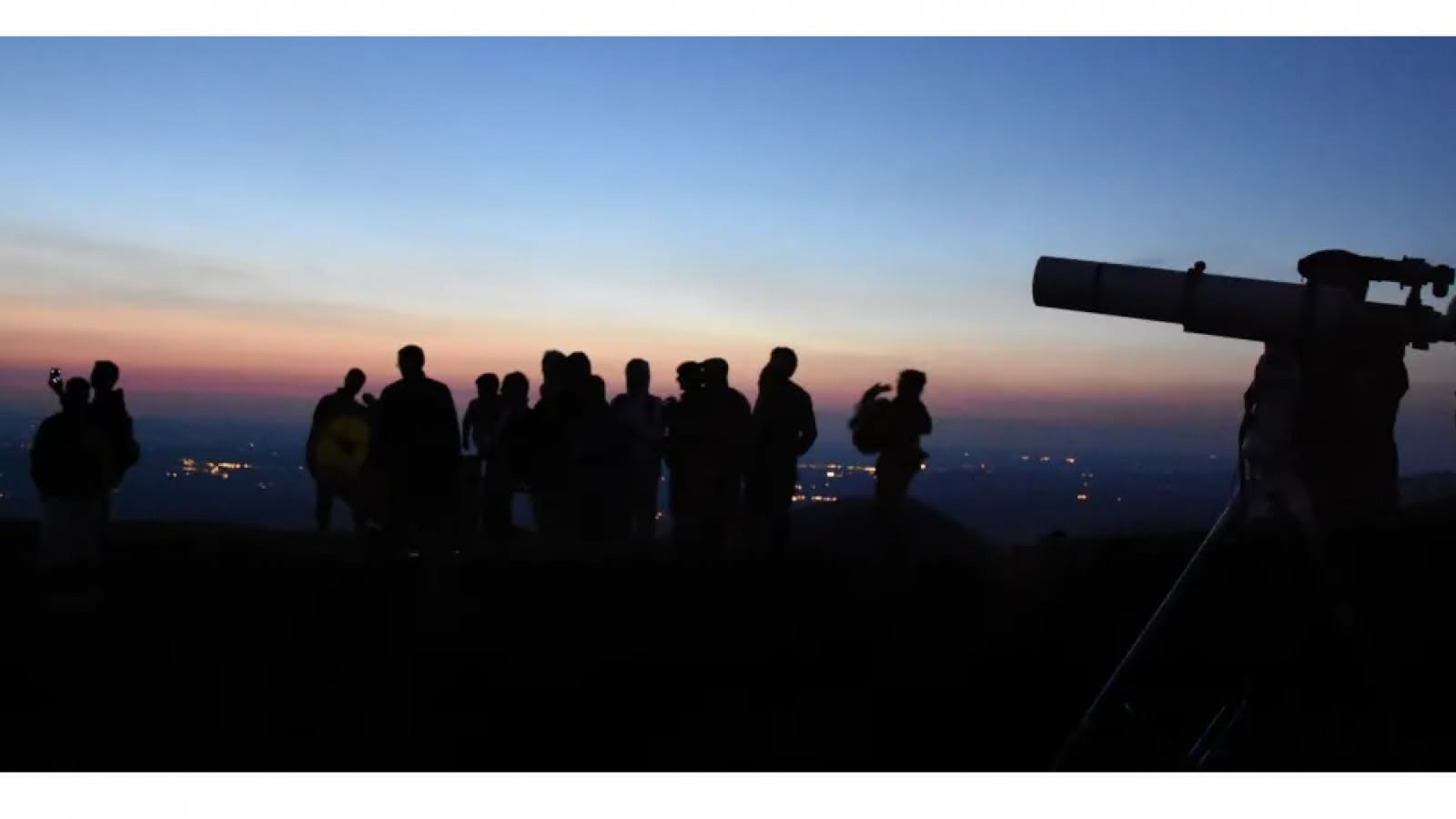 © Observation des étoiles au sommet du puy de Dôme - Nuit des étoiles